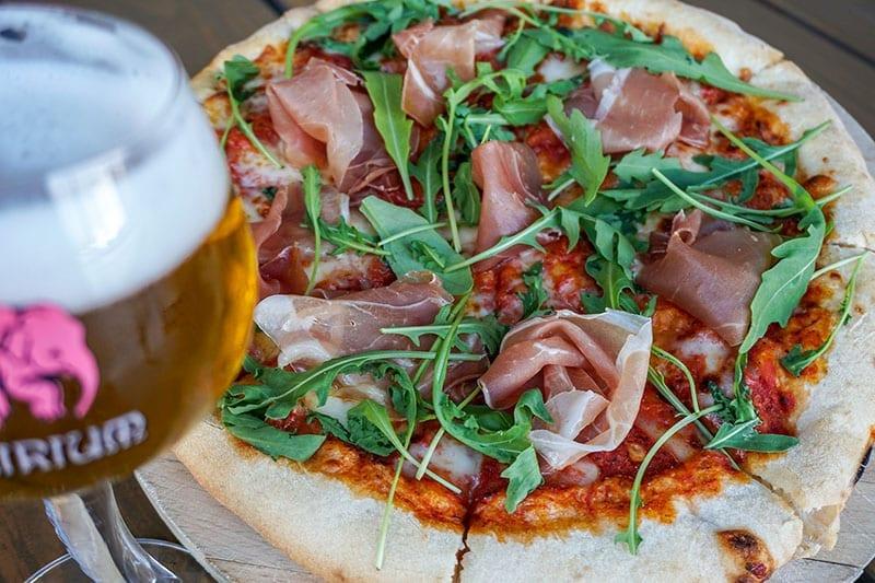 Pizza bij Delirium Cafe Amsterdam